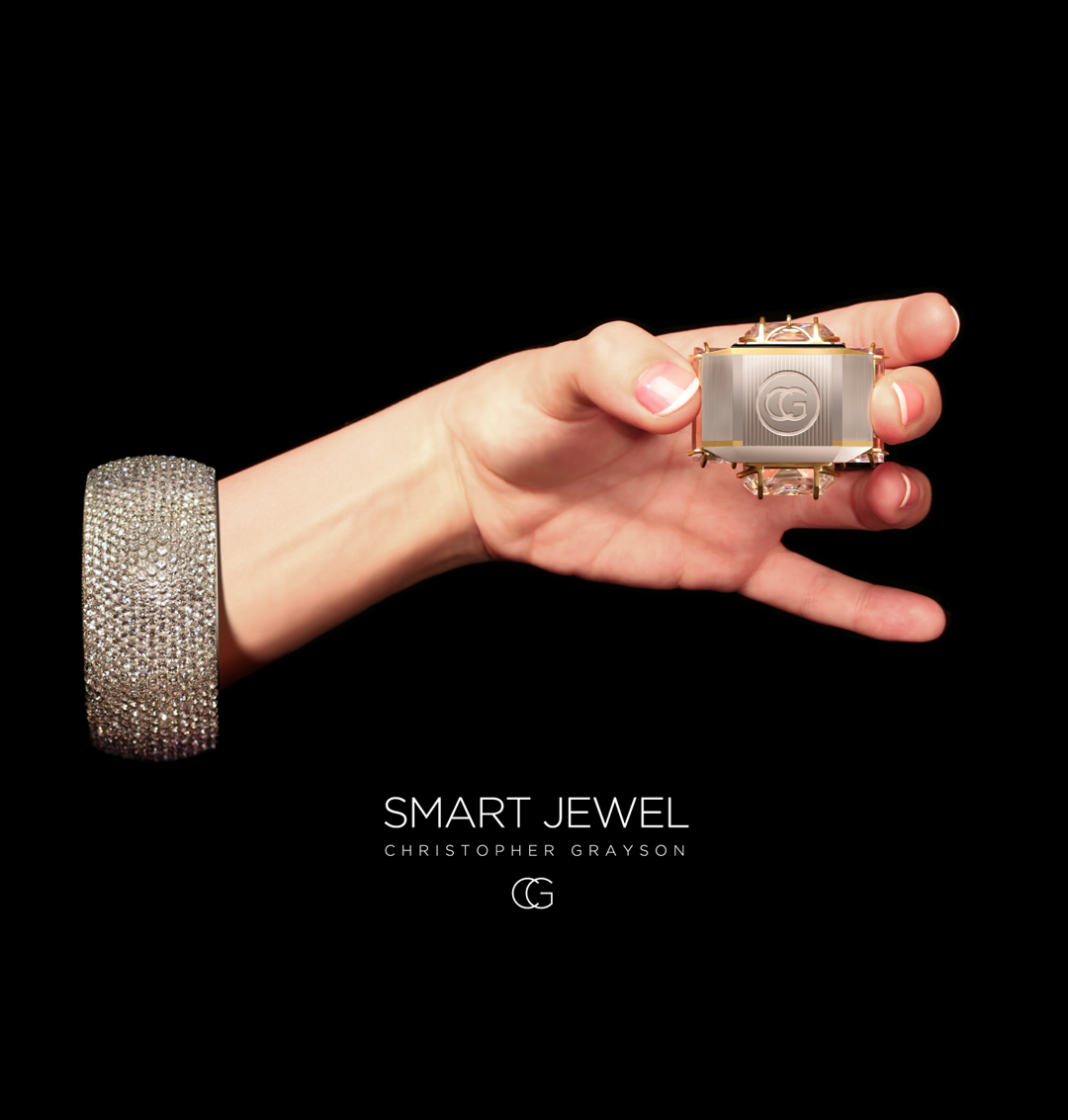 SMART JEWEL in HAND